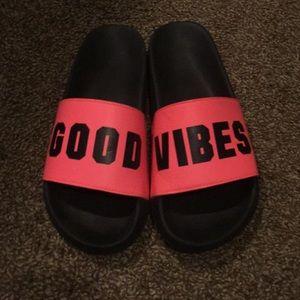 VSPink sandals